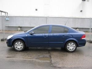 Тонирование стекол Opel Astra пленкой SunTek HP 15